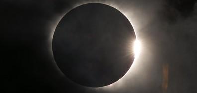 Милиони наблюдаваха слънчевото затъмнение в САЩ (ВИДЕО+СНИМКИ)