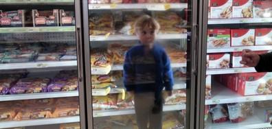 25 снимки, които доказват, че пазаруването с деца е обречена на провал мисия (ГАЛЕРИЯ)