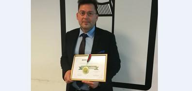 """Румен Бахов беше отличен с награда """"Достойните българи"""""""