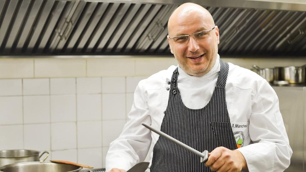 """Шеф Манчев превръща ресторант в кулинарна звезда в """"Кошмари в кухнята"""""""