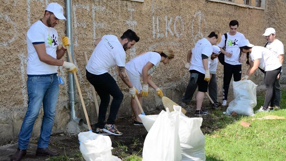 Над 800 доброволци ремонтираха училището за деца с увреден слух в София