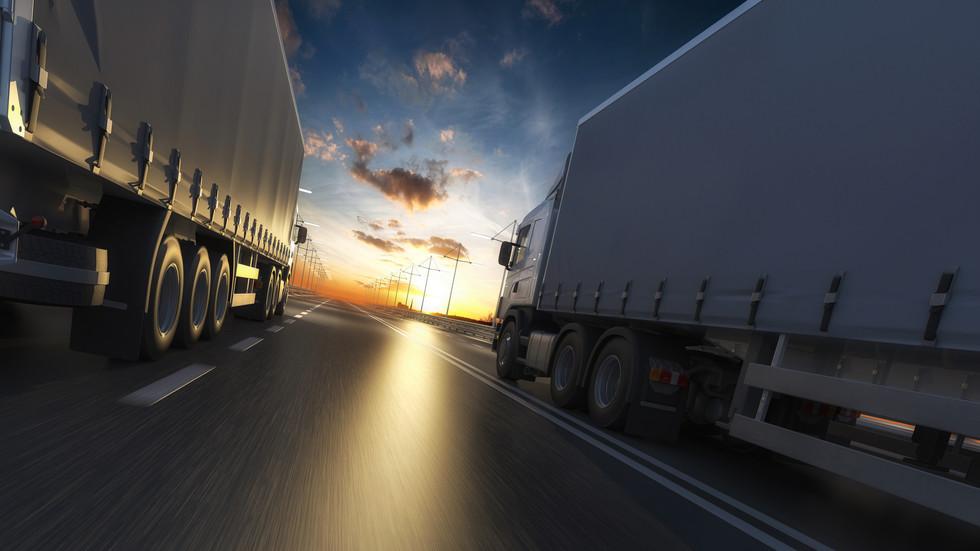 ПО ПЪТИЩАТА: Засилен трафик в началото на почивните дни