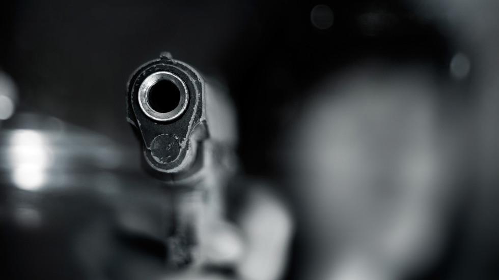 Затвориха училище в Охайо, след като ученик се простреля в тоалетната