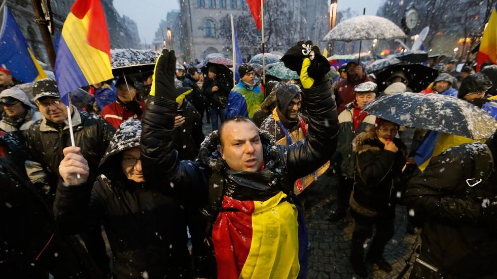 10 хиляди румънци на протест срещу новия закон за корупцията (СНИМКИ)