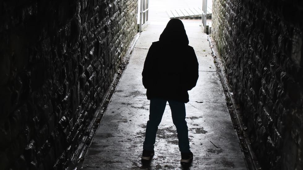 Обвиниха 14-годишен за убийството на бездомник във Варна