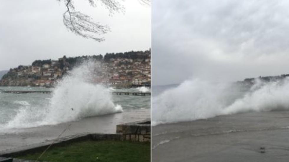 Вятърът нанесе огромни щети в Охрид (СНИМКА)