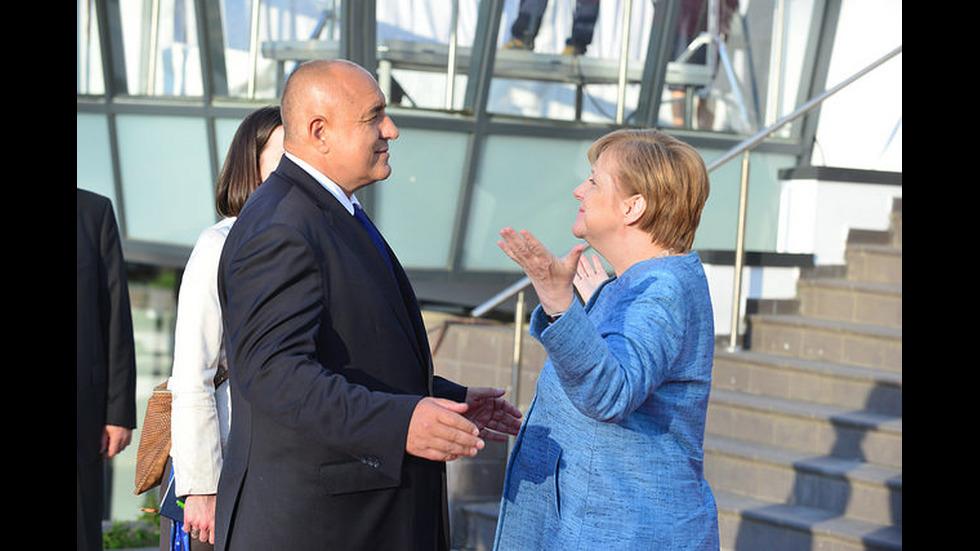Европейските лидери пристигат в София