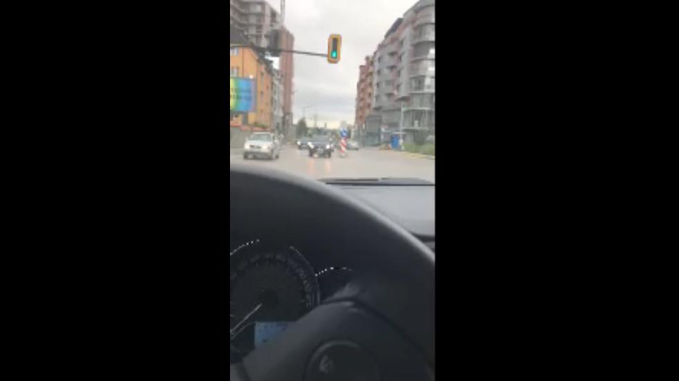 Нерегулиран светофар