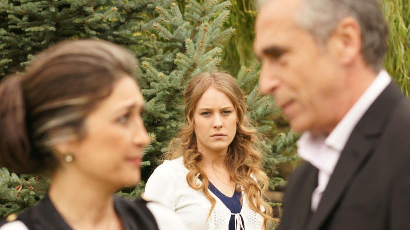 """Шейма Коркмаз се скарва с родителите си заради сериала """"Прости ми"""""""