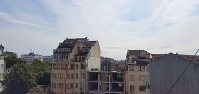 Необезопасен строеж в центъра на Варна