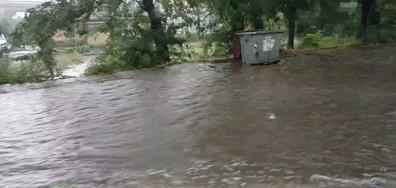 Заваля малко дъжд в Бургас