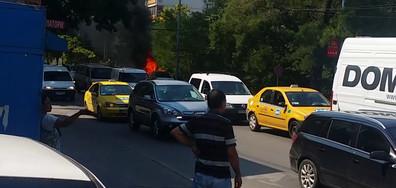 Лек автомобил изгоря в Пловдив