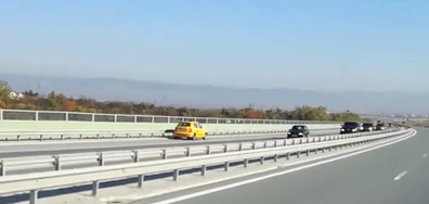 """Такси в насрещното на магистрала """"Люлин"""""""