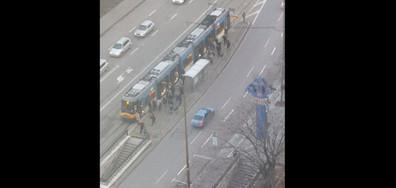 Внимание! Безразсъдни пешеходци!