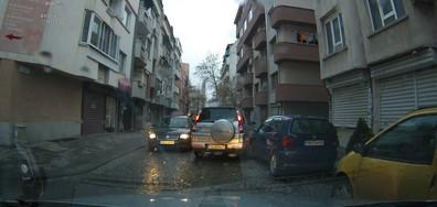 ПТП със спрян автомобил