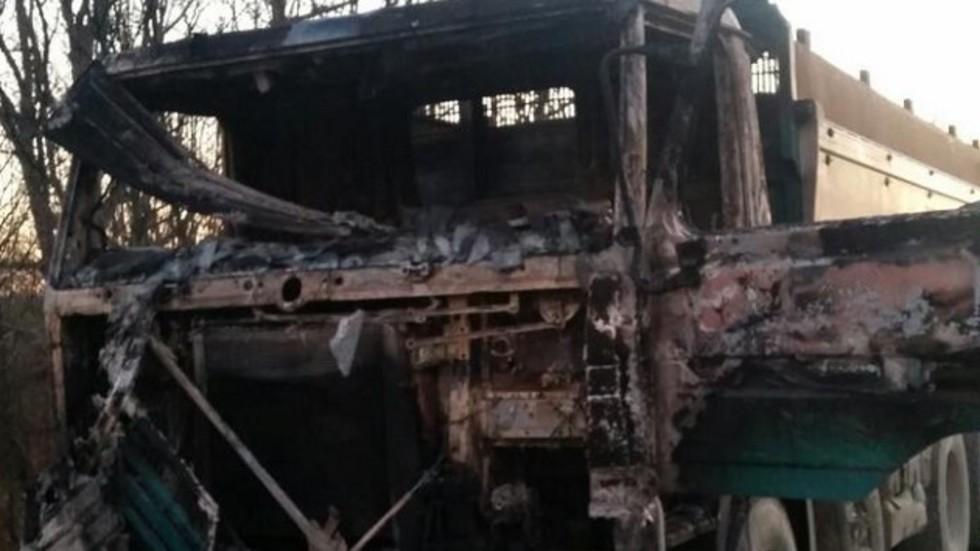 Бежанци едва не изгоряха в тайник на камион