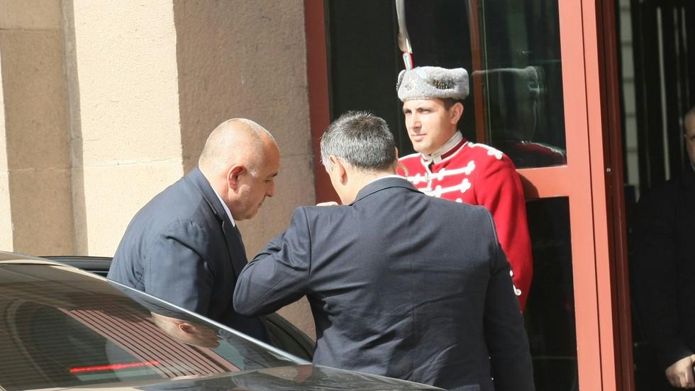Президентът връчи мандата на Бойко Борисов
