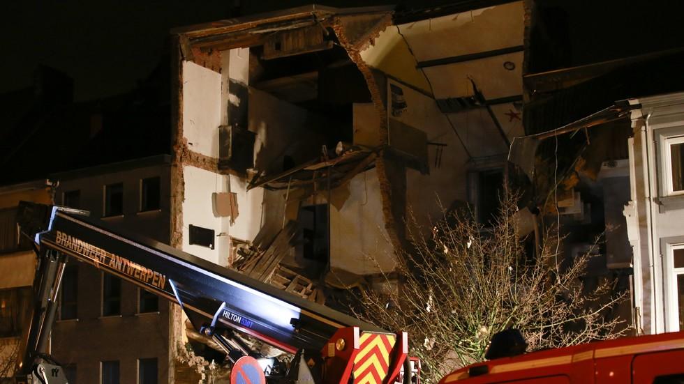 Взрив разруши сграда в Белгия