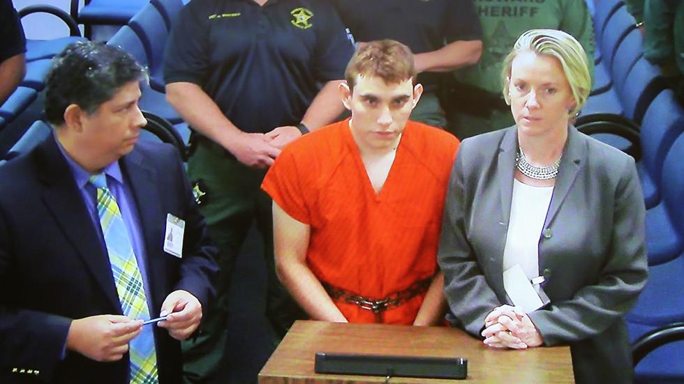 19-годишният стрелец от гимназията в САЩ се изправи пред съда