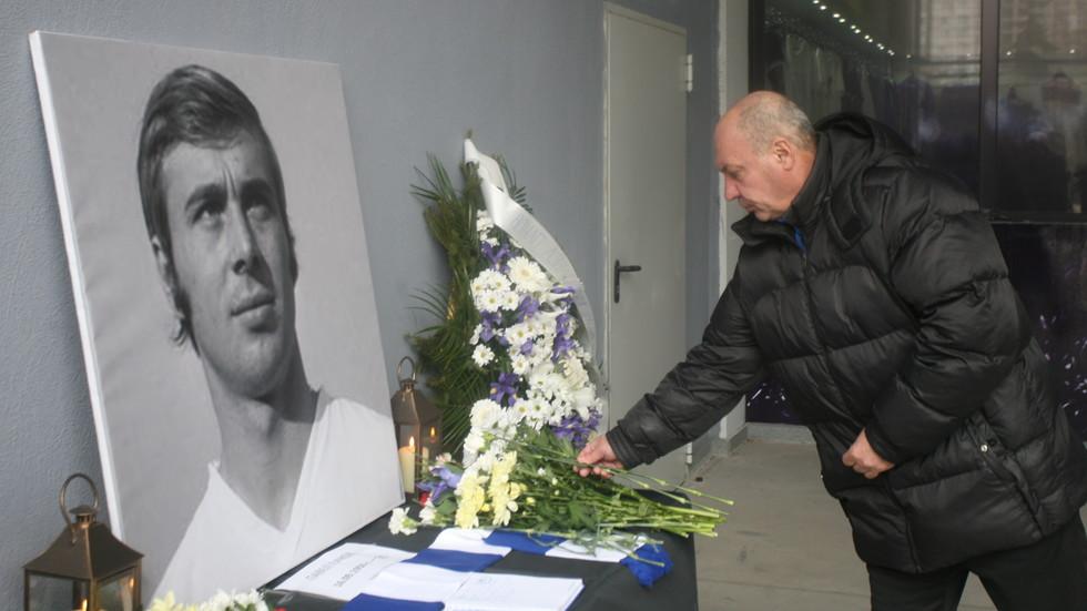 Легенди и фенове отдадоха почит на Павел Панов