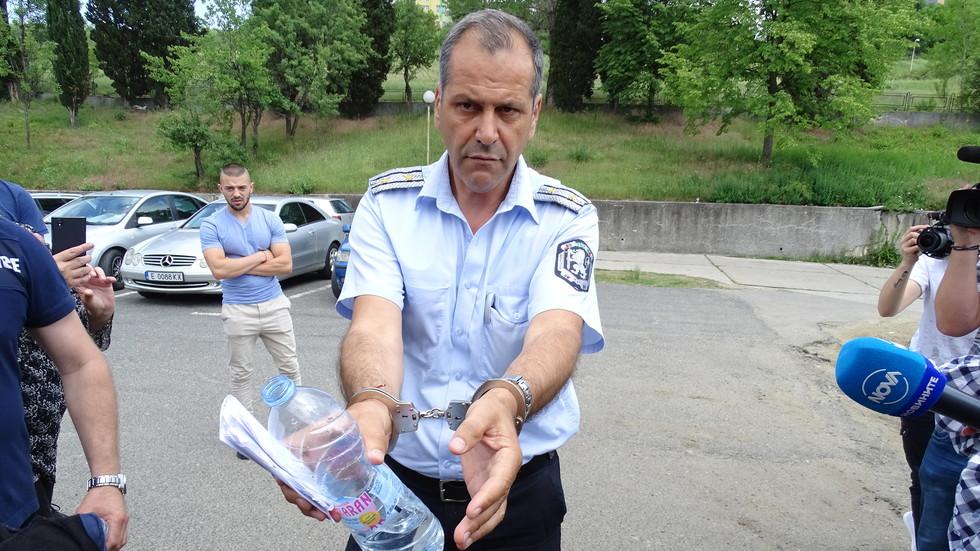 Арестуваха шефа на КАТ-Благоевград при спецакция