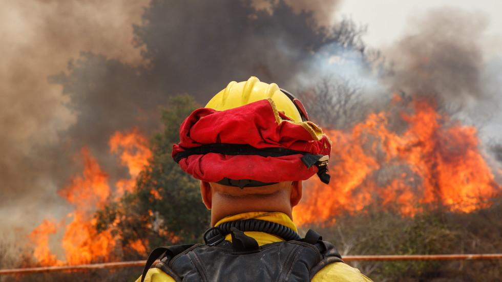 Пожарите в Калифорния