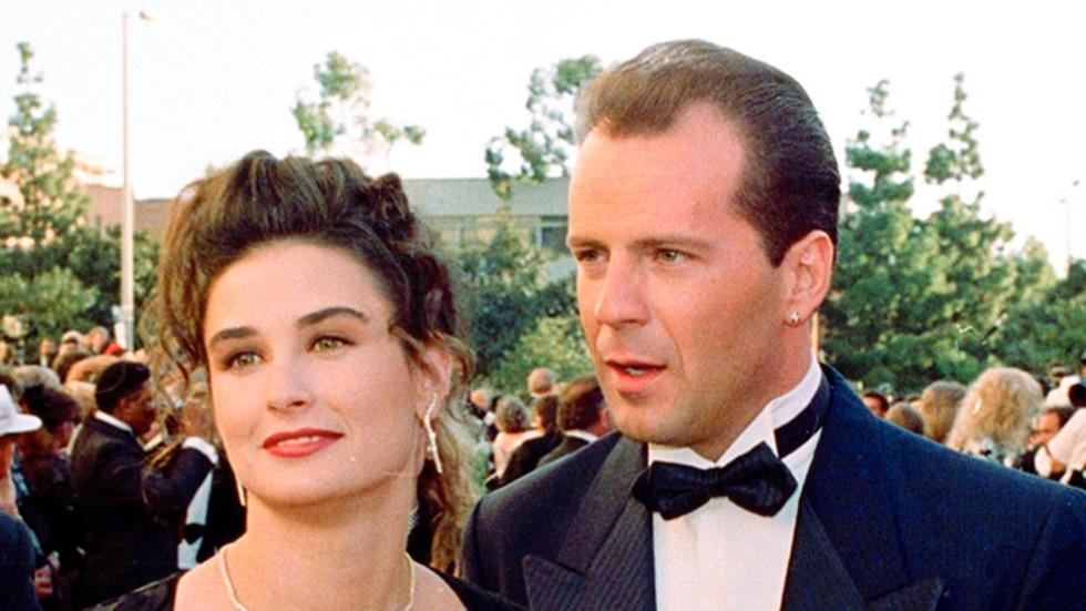 16 Холивудски двойки, чиято раздяла разстрои феновете им