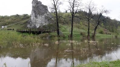 Проливни дъждове предизвикаха наводнения в Полша