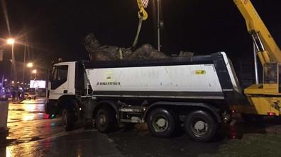 Македония премахва паметници в Скопие и сваля стари пътни табели
