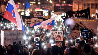 Десетки хиляди на протест в Словакия