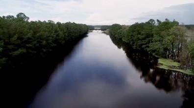 """""""Флорънс"""" потопи магистрали, превърна ги в реки"""