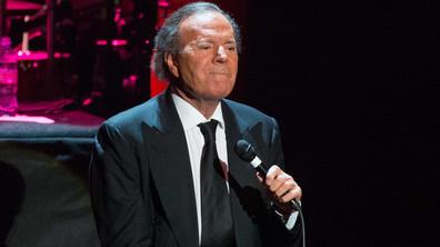 Вечният романтик Хулио Иглесиас навършва 75 години