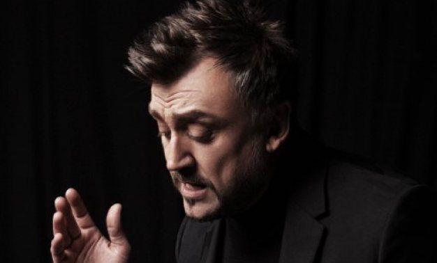 Любо Киров събира най-големите си хитове в албума